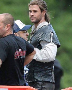 Eric The Huntsman Winters War 2016 Chris Hemsworth Black Leather Vest