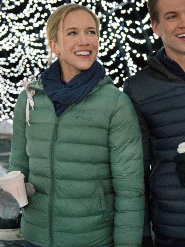 Amazing Winter Romance Jessy Schram Green Puffer Hooded Jacket