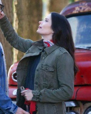 Lois Lane Superman and Lois Elizabeth Tulloch Green Cotton Jacket3